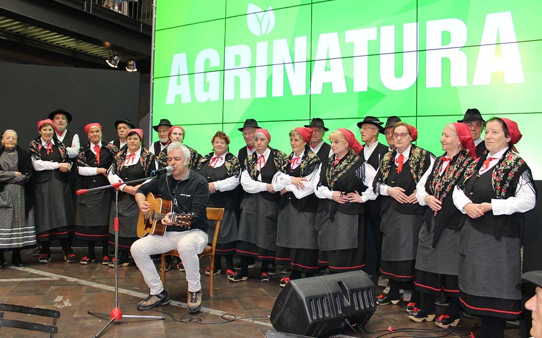 Davide Van De Sfroos e la sua musica deliziano i visitatori di Agrinatura!
